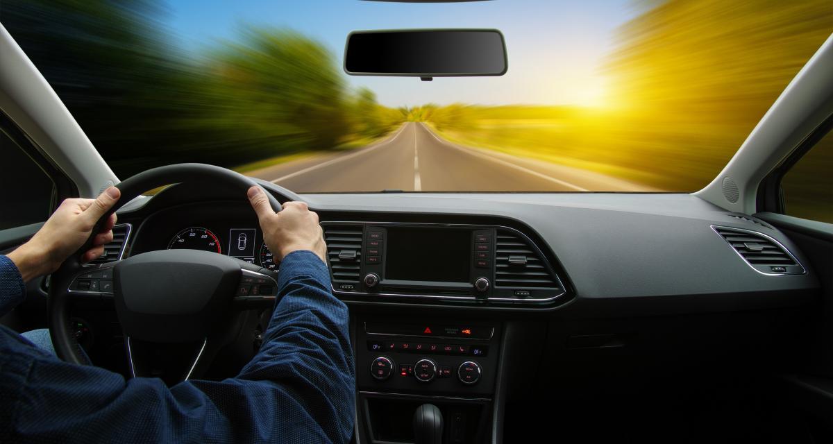 Fou du volant à 222 km/h : le conducteur identifié et arrêté