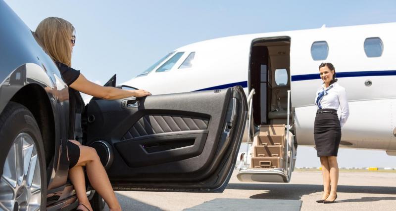 Jets privés Versus voiture de sports et Supercars