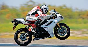 Fous du guidon : flashé à 173 km/h, il se voit retirer son permis et sa moto