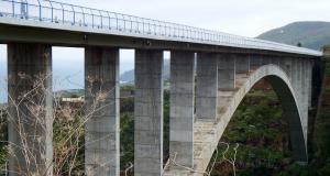Fous du volant : à 162 km/h sur un viaduc, son permis probatoire ne tient plus qu'à un fil