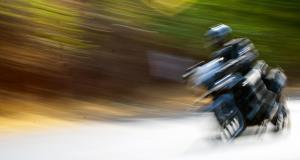 Flashé à 153 km/h, 6 mois de suspension de permis pour le motard