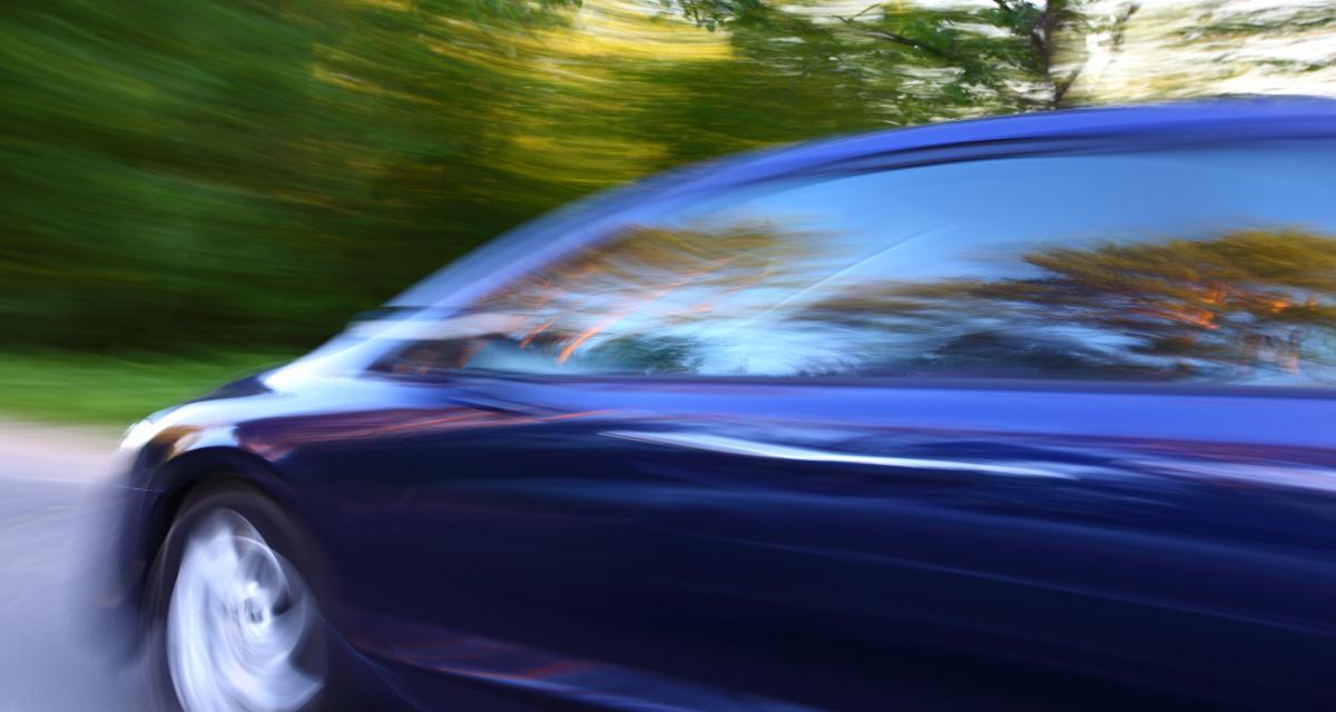 Il roule à 125 km/h sur une départementale, les gendarmes lui retirent le permis
