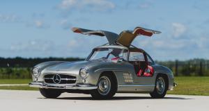 Mercedes 300 SL Gullwing : des portes papillon pour le plaisir des yeux