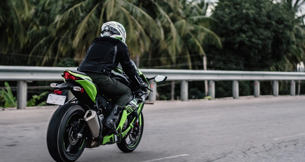 Un motard se fait flasher à 203 km/h sur nationale : énorme prune en vue !