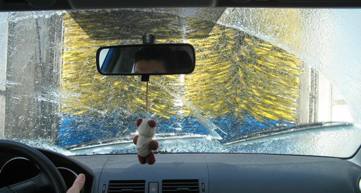 Lavage de ma voiture : pourquoi éviter le nettoyage haute pression