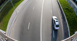 Intercepté à 152 km/h sur une départementale, il ne fait pas le fier face aux gendarmes