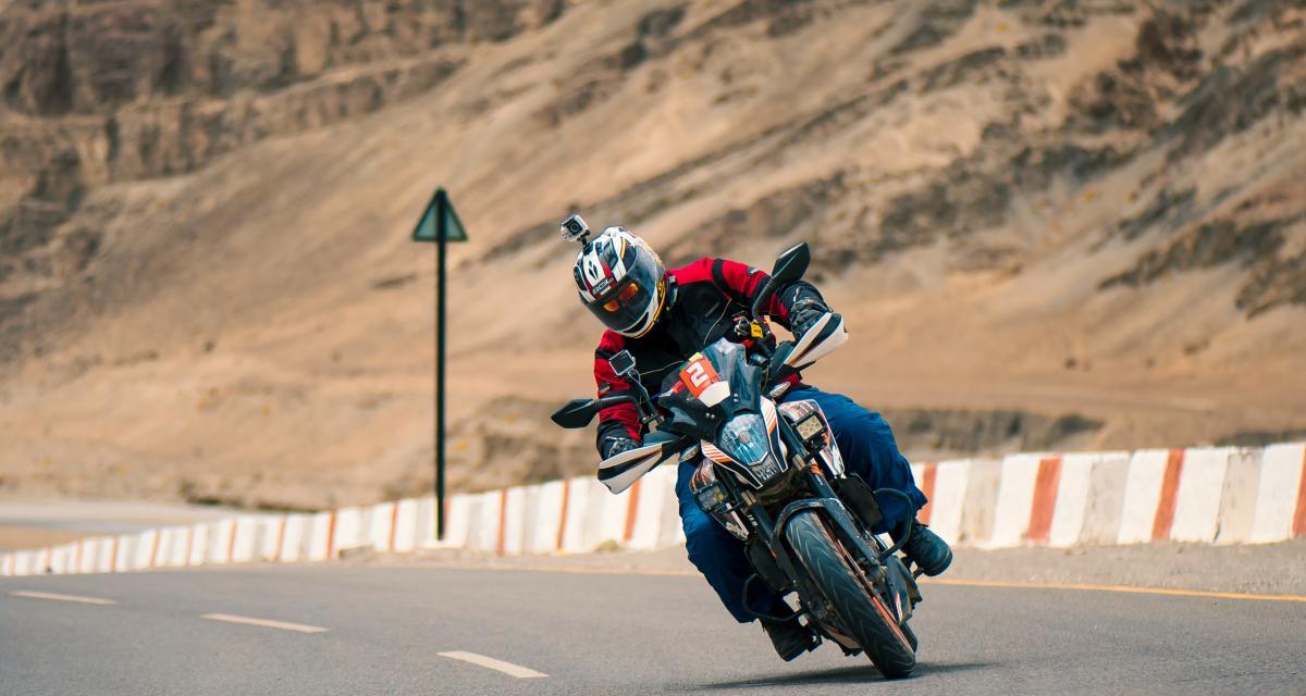 Un motard roule à 130 km/h sur une départementale et se fait sucrer son permis