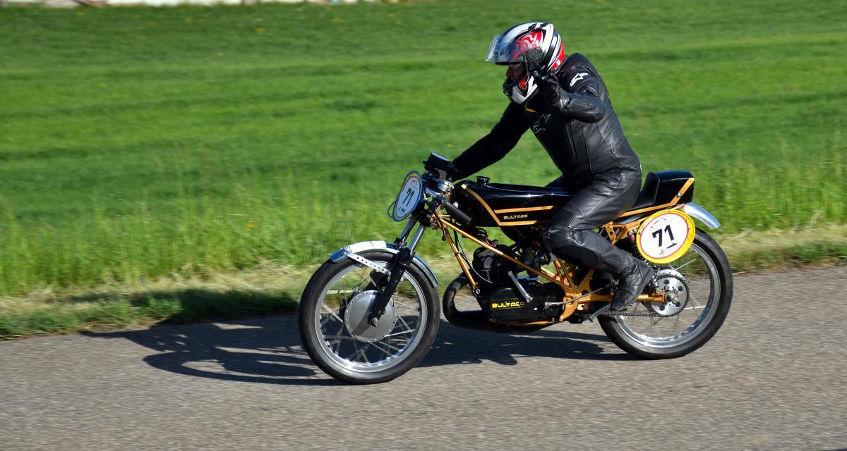 Fous du guidon : à 133 km/h, le motard perd son permis et sa moto