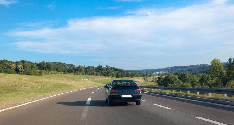 Autoroute - trop longtemps sur la voie de gauche / du milieu : quelle amende risquez-vous ?