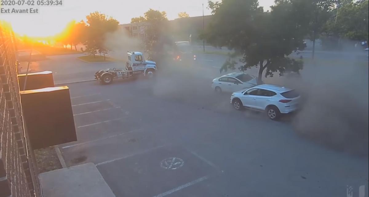 Ils font la course en plein centre-ville et provoquent un accident avec un camion