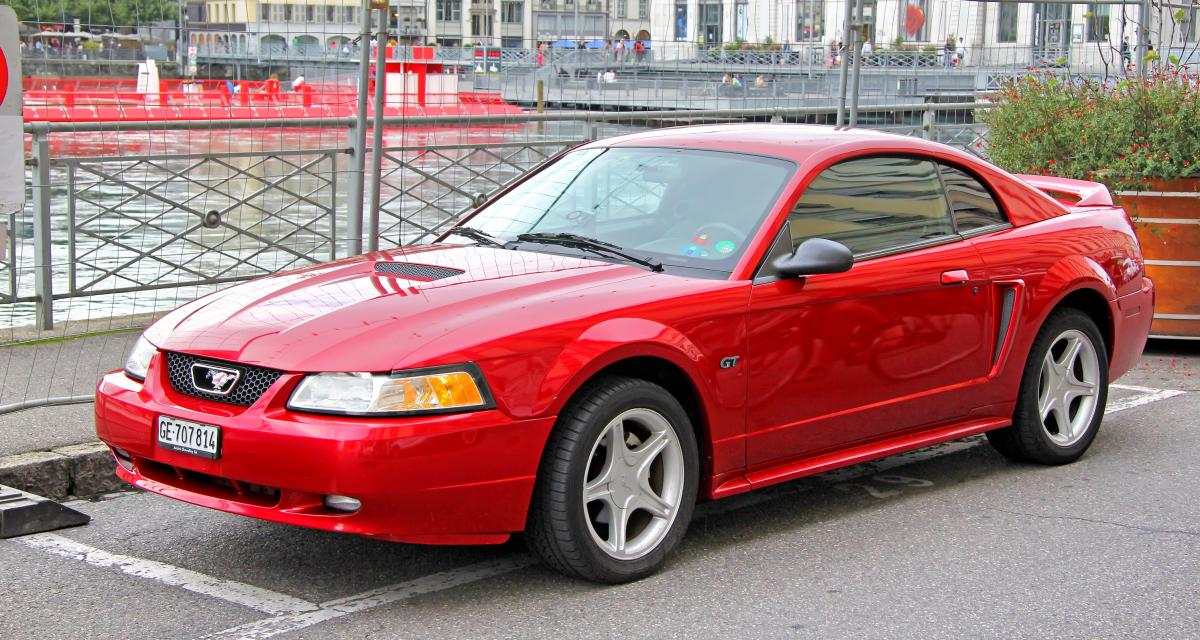 Flashé à 160 km/h en Ford Mustang, son cadeau de Noël tourne au cauchemar