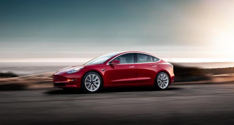 Elle commet un excès de vitesse à 185 km/h en Tesla Model 3