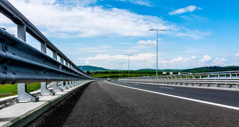 Autoroute - Circuler sur la bande d'arrêt d'urgence : quelle amende risquez-vous ?