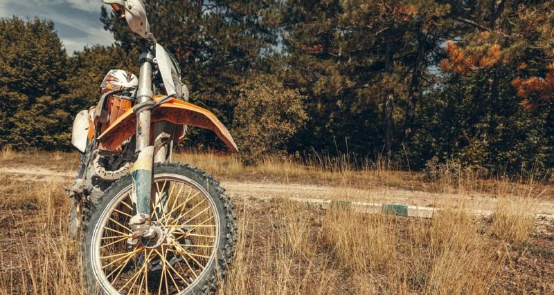 Rodéo à moto : une cinquantaine de jeunes bloquent entièrement la circulation