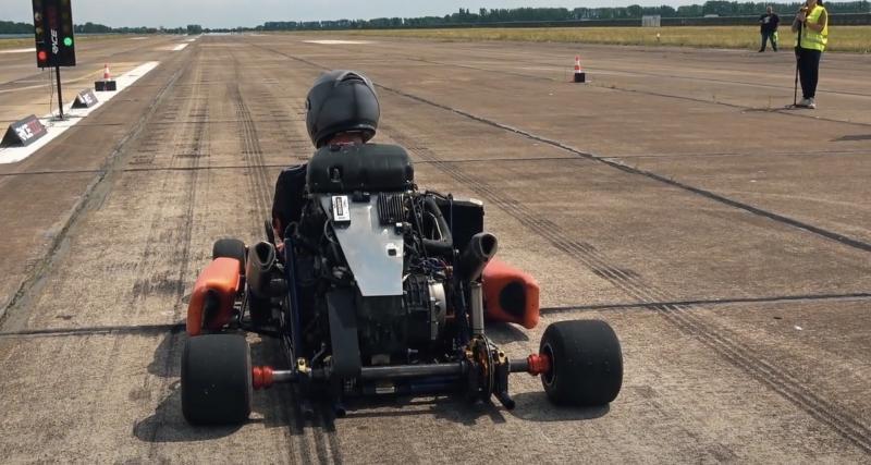 À fond de compteur en Super Kart : 220 km/h les fesses au ras du sol