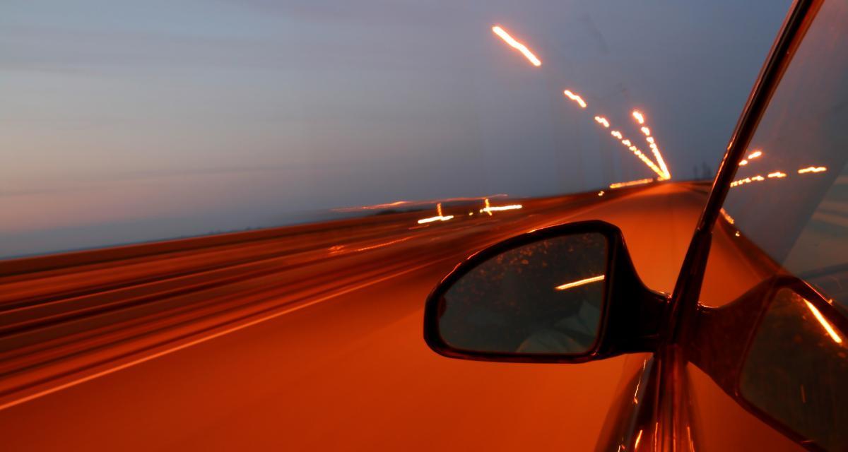 Un chauffard pousse son bolide à 208 km/h : bienvenue au tribunal !