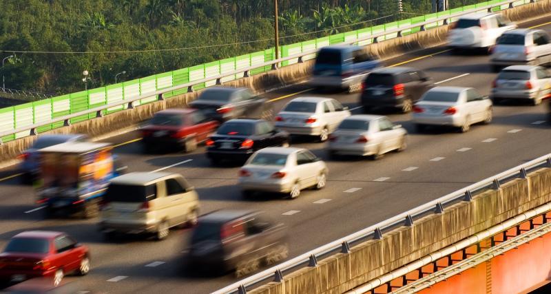 Après une dispute, un homme abandonne sa femme sur une aire d'autoroute et rentre chez lui à 900 km de là