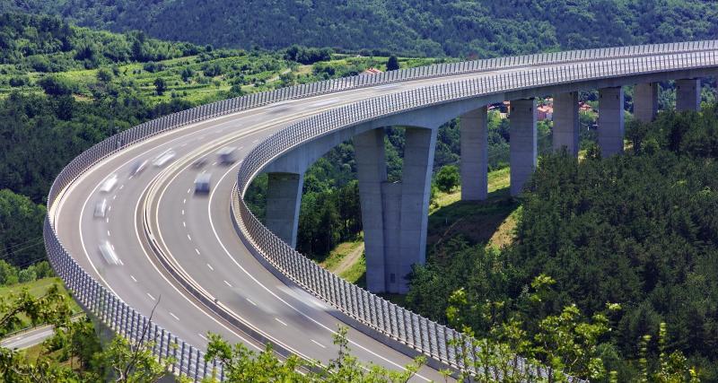 Quatre excès de vitesse en Mayenne : les gendarmes sucrent des permis de conduire