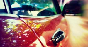 Il vole les clés d'une voiture pendant un cambriolage mais se fait arrêter par la BAC