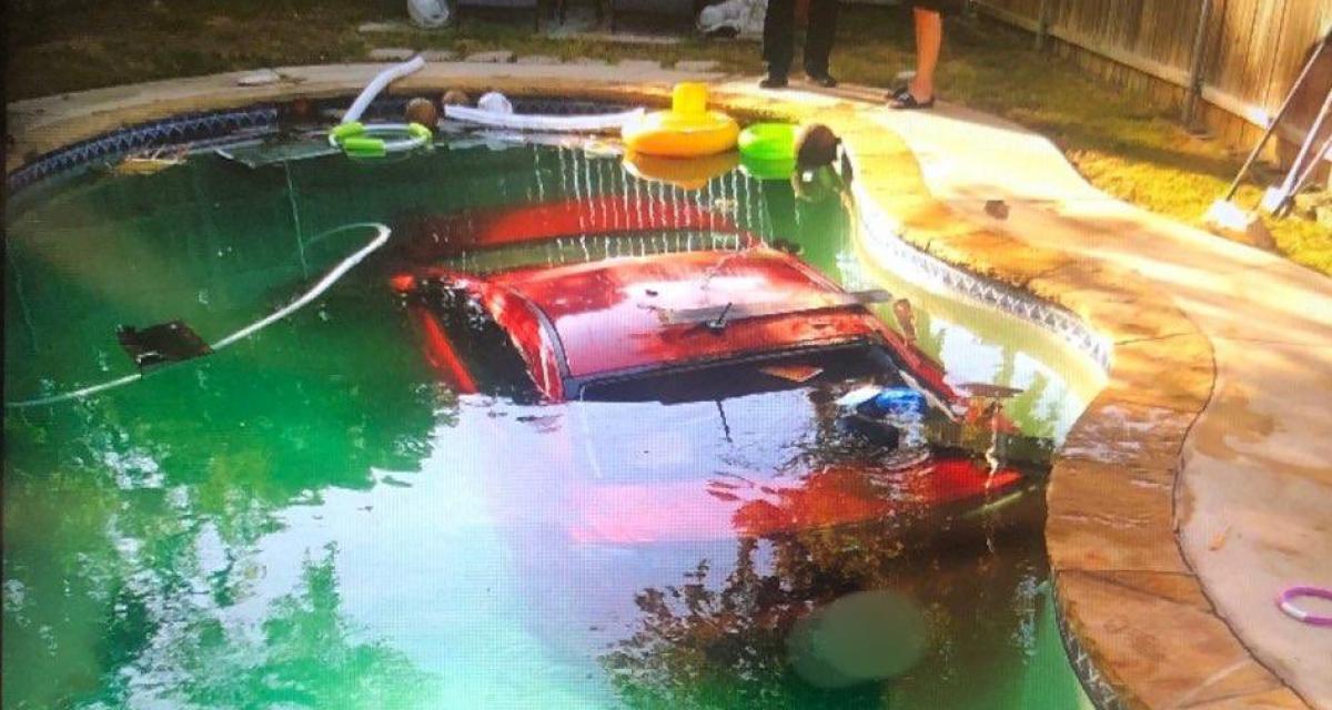 Alcoolisé, il se plante en plein virage et envoie sa Mitsubishi Lancer au fond d'une piscine