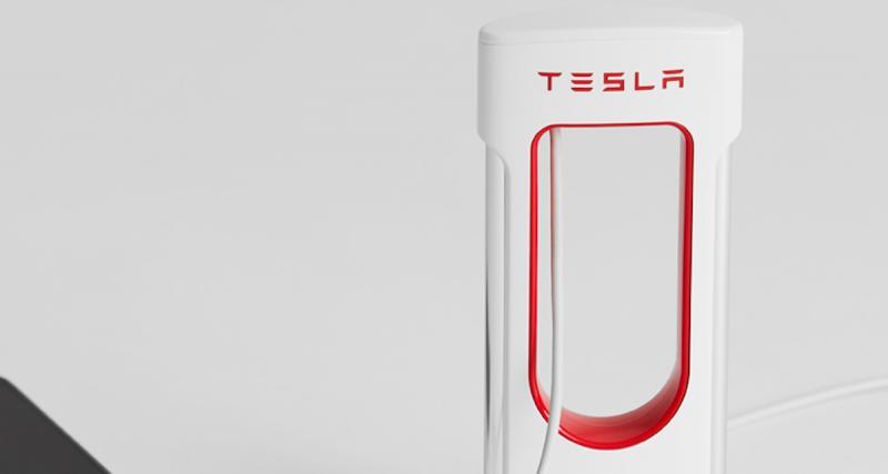 Superchargeur de bureau Tesla : de la déco au prix fort