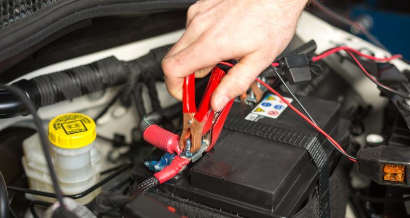 Entretien de ma voiture : 3 (bonnes) habitudes pour préserver votre batterie