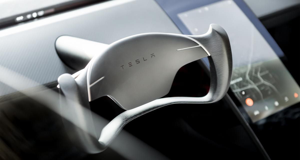 Tesla : un nouveau détecteur d'enfants oubliés pour parents distraits