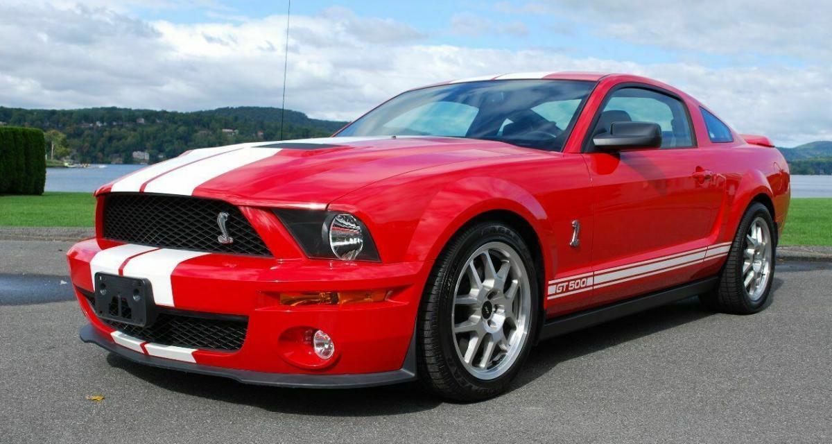 """La Ford Mustang Shelby GT500 du film """"Je suis une légende"""" vendue pour 55 000 $"""