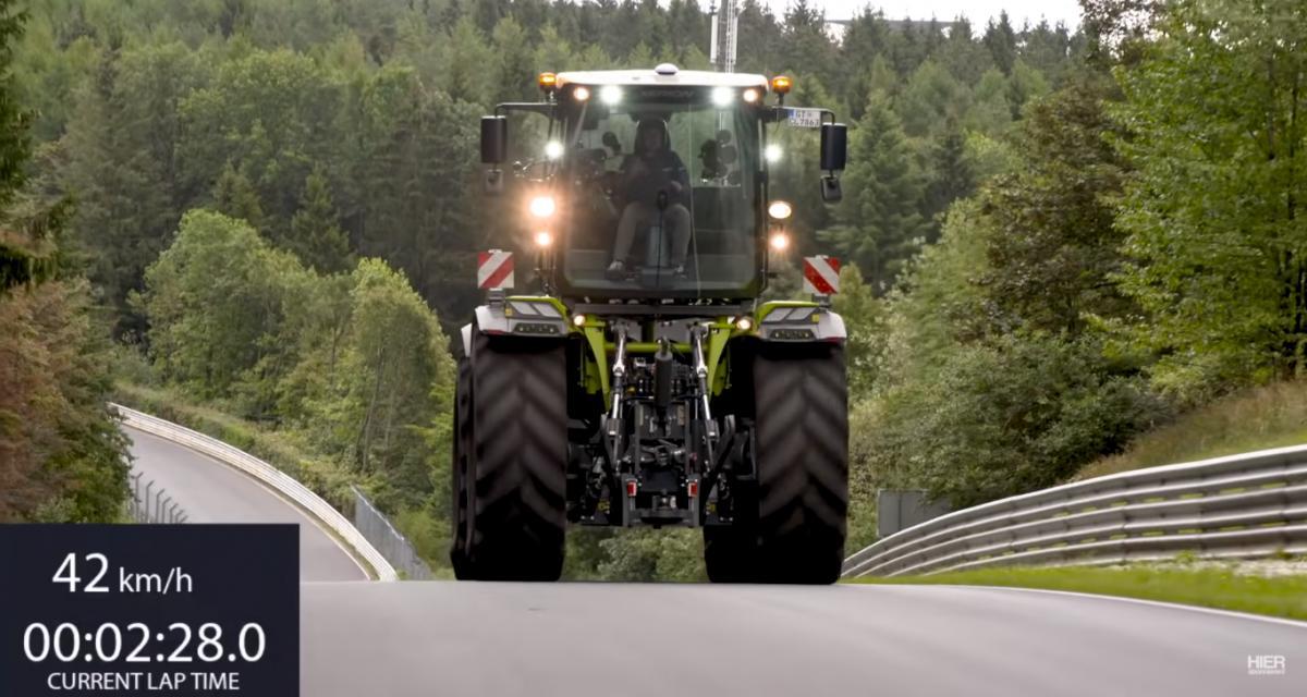 Un pilote allemand réalise un tour de la Nordschleife au volant d'un tracteur de 16 tonnes