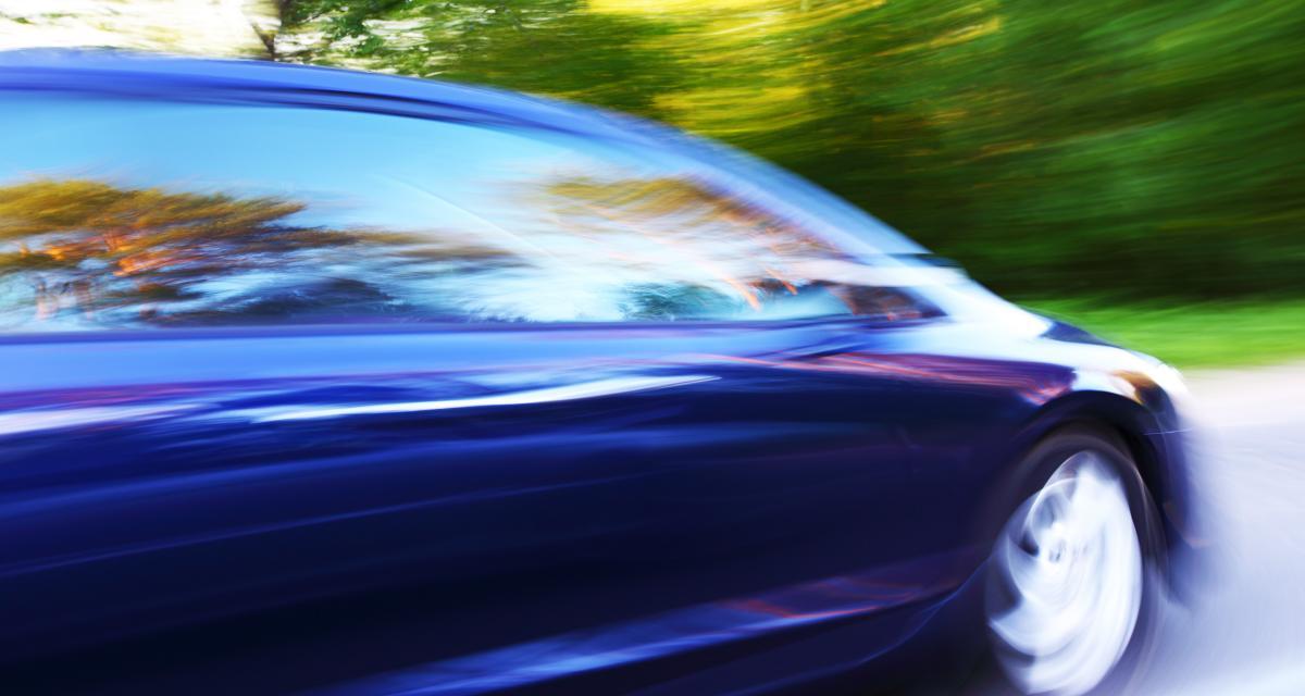 À 156 km/h au lieu de 90 : grosse prune et suspension de permis pour le chauffard canadien