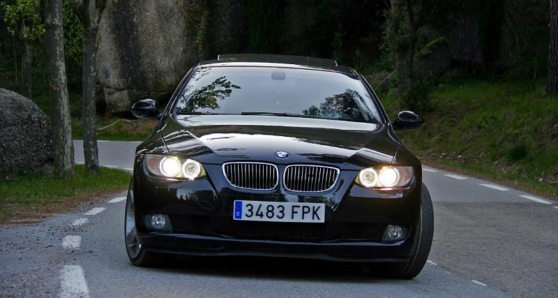 Flashé en BMW Série 3 à 191 km/h il se roule un joint devant les gendarmes !