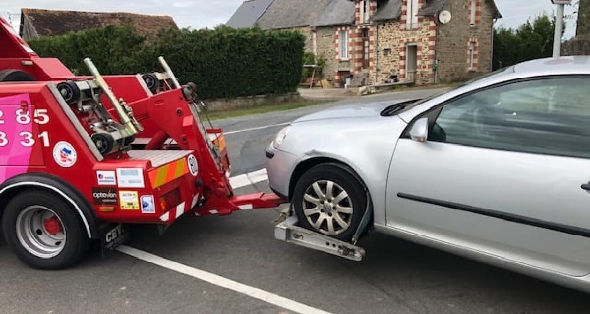 Flashé à 150 km/h, il se fait retirer son permis par les gendarmes de la Mayenne