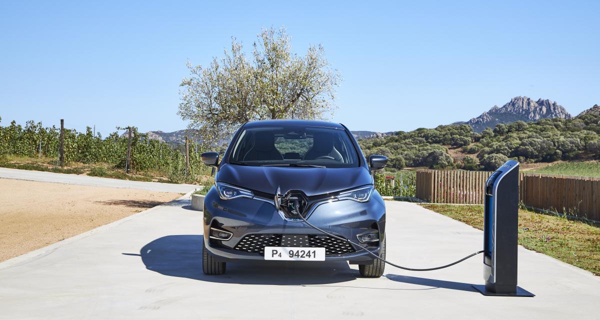 Il recharge gratuitement sa Renault Zoe grâce à une faille du superchargeur Tesla (vidéo)