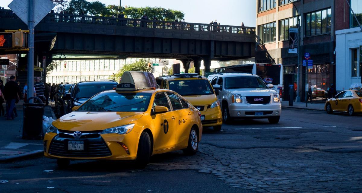 Flashé à moto en France, il regagne l'Italie en taxi