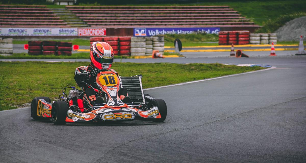 Il vise le record du monde de vitesse avec un kart équipé d'un moteur d'avion de chasse