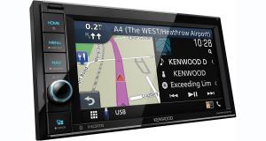 Kenwood commercialise un autoradio CarPlay et GPS offrant un bon rapport qualité/prix