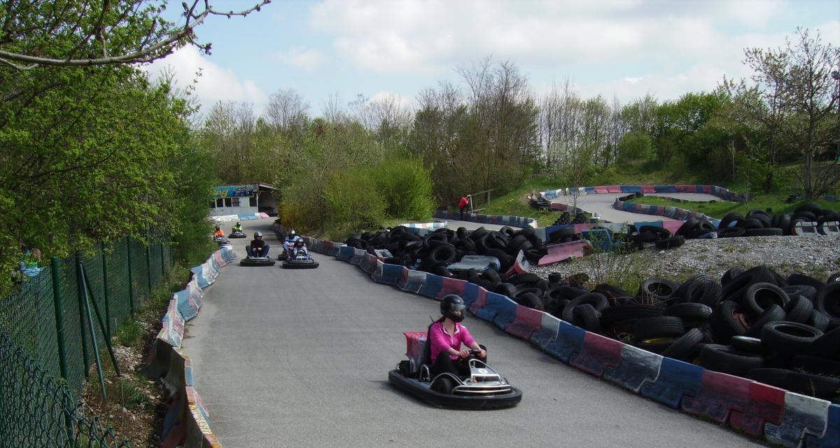 Fou du karting : il vise le record du monde de vitesse avec un moteur d'avion de chasse