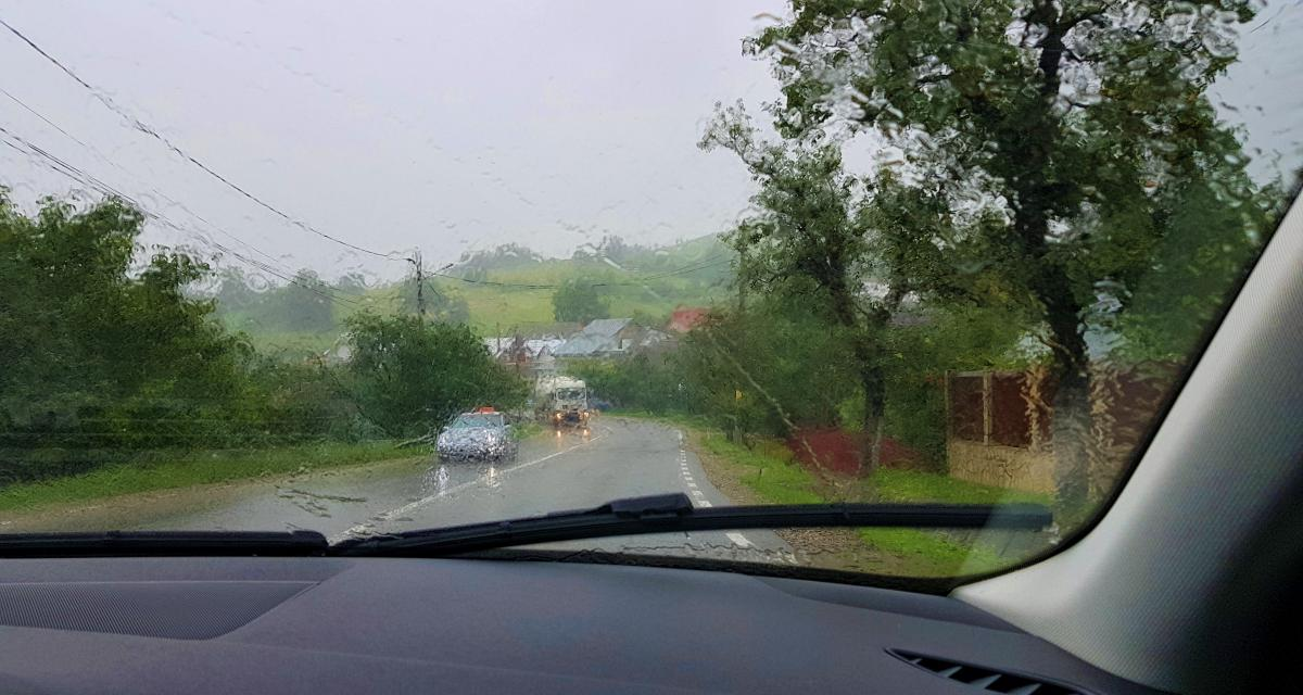 Il fonce à 190 km/h sous une pluie battante, les policiers belges lui retirent le permis