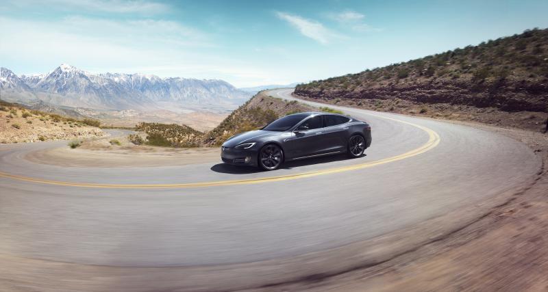 La nouvelle Tesla Model S Plaid en démonstration à Laguna Seca : elle met une trempe à la Lucid Air (vidéo)