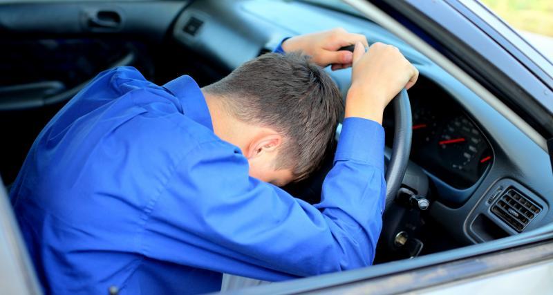Le crétin du jour : ivre, il roule... sans pneus sur autoroute !