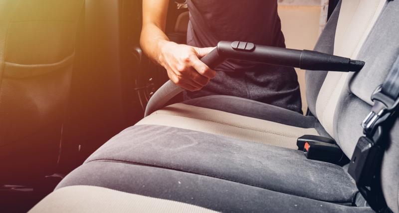 Entretien de ma voiture : 3 astuces pour entretenir des sièges en tissu
