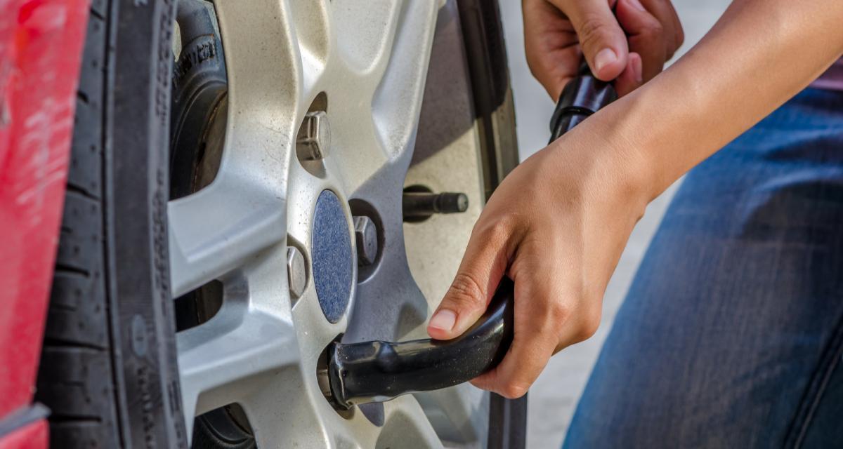 Entretien de ma voiture : 2 méthodes pour faciliter le changement d'une roue