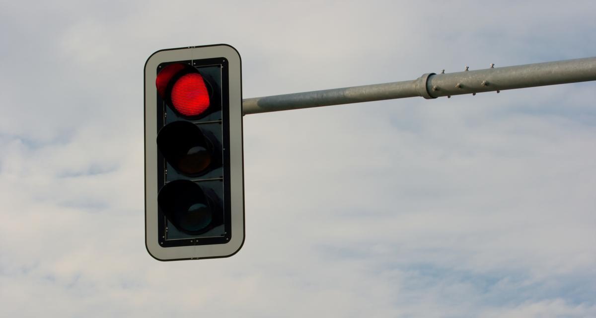 Le feu tricolore de l'enfer : les automobilistes angevins restent bloqués 30 minutes !
