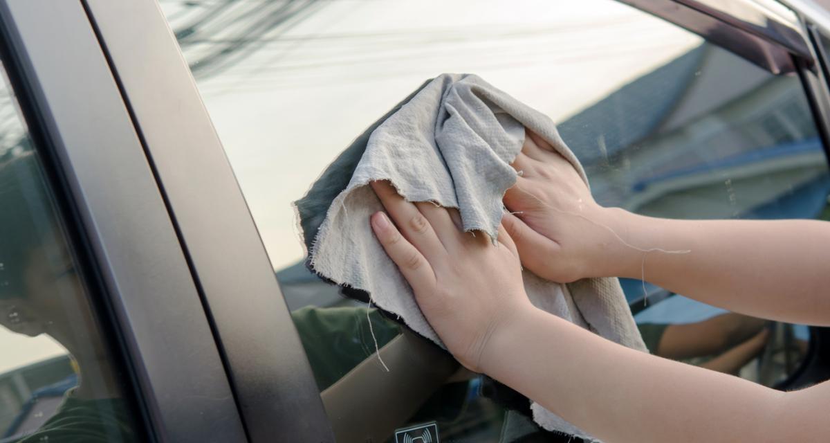 Entretien de ma voiture : 3 astuces pour nettoyer les vitres