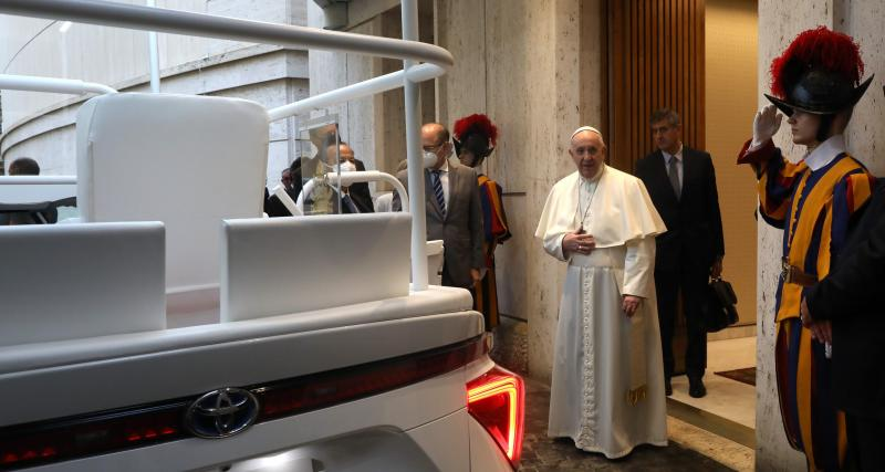 "Une papamobile ""new generation"""