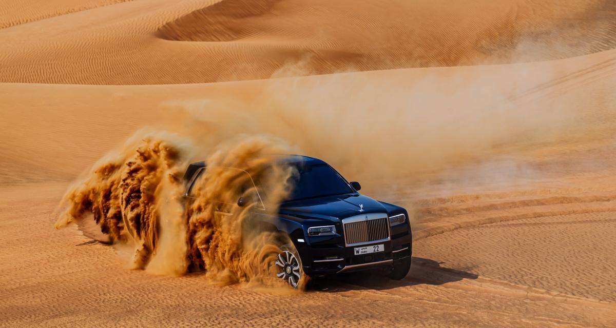 Le Rolls-Royce Cullinan à l'assaut du désert d'Arabie