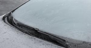 Entretien de ma voiture : comment dégivrer rapidement le pare-brise