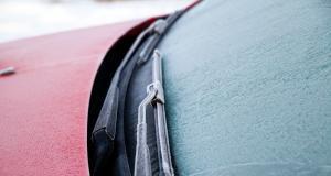 Dégivrage de ma voiture : 3 choses à ne surtout pas faire