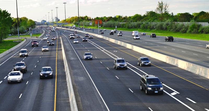 Rouler trop lentement sur autoroute : quelles sanctions ? Maître Marchac vous répond