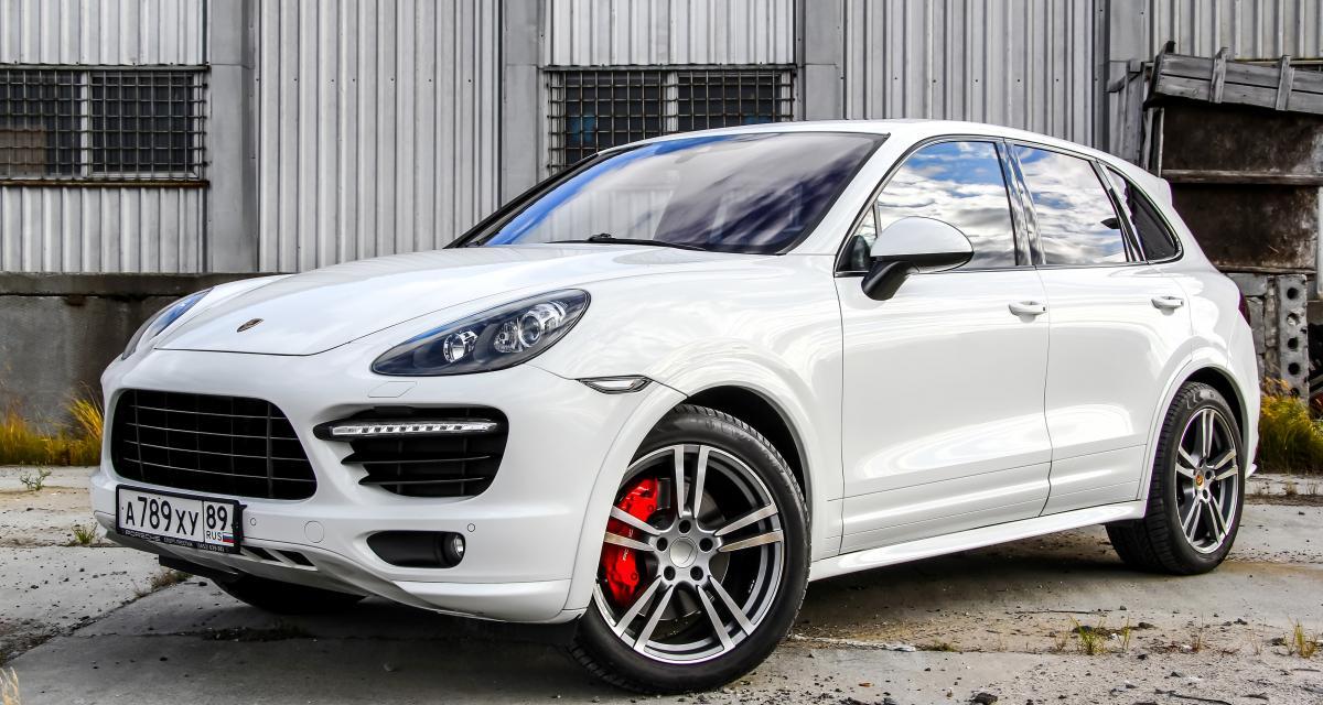 Sans permis et sans assurance au volant d'un Porsche Cayenne, l'interpellé était aussi sans domicile fixe